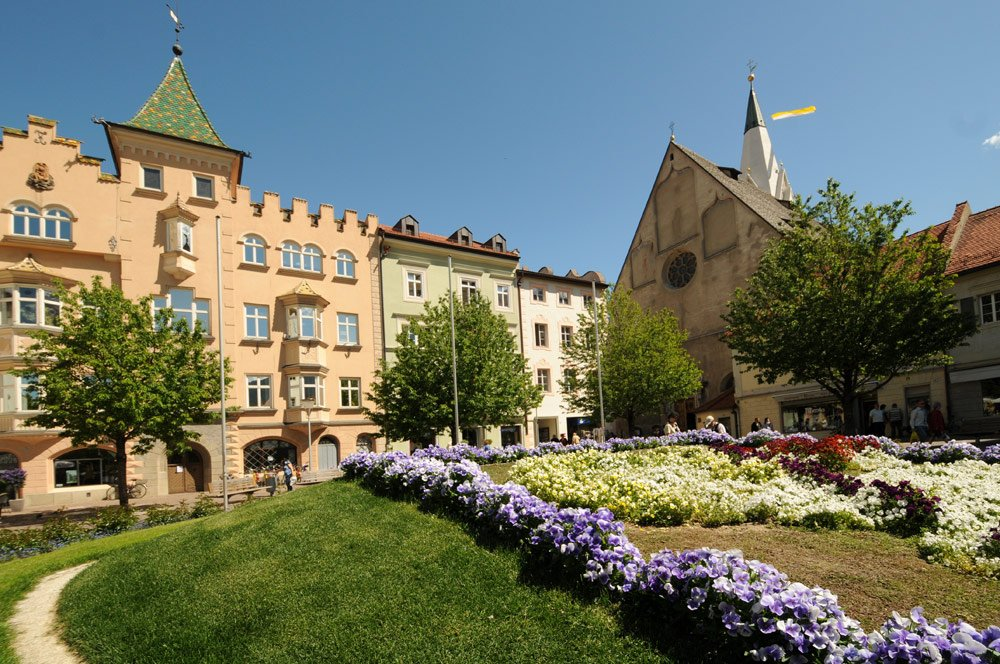 Holiday in Brixen: medieval episcopal city with Mediterranean ambience