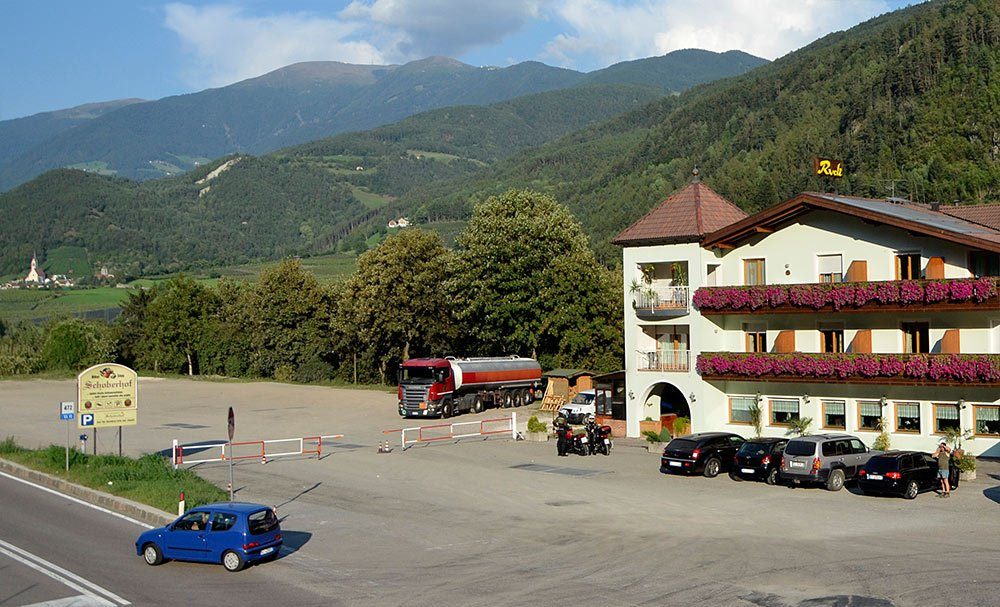 Schoberhof: traditional truck drivers stop in South Tyrol
