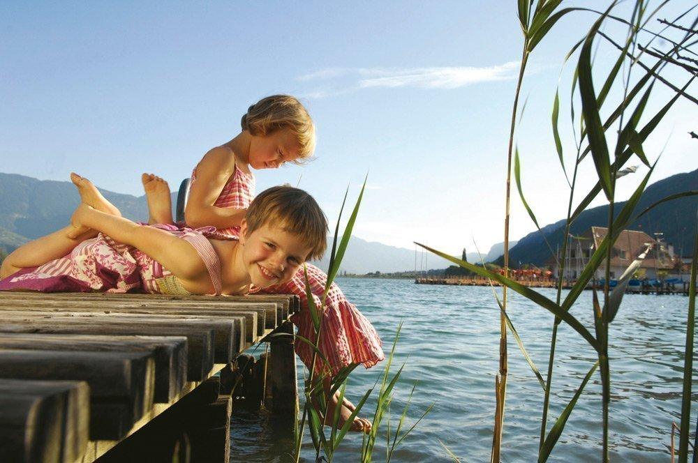 Badevergnügen vor hochalpiner Kulisse