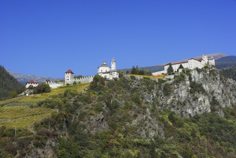 Holiday in Feldthurns: mountain idyll at a middle mountain range